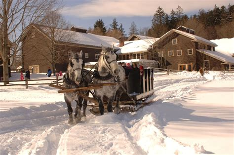 Pictures Of Homes Decorated For Christmas Best Historic Christmas Celebrations In New England New