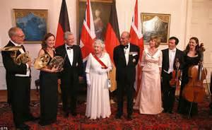 queen calls  unity  europe  state banquet speech  berlin daily mail