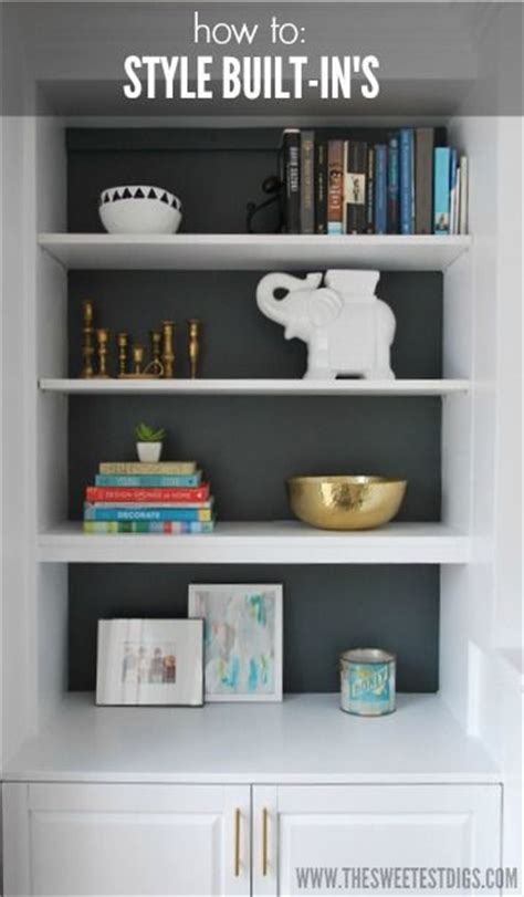 things to put on shelves 25 best ideas about painted built ins on