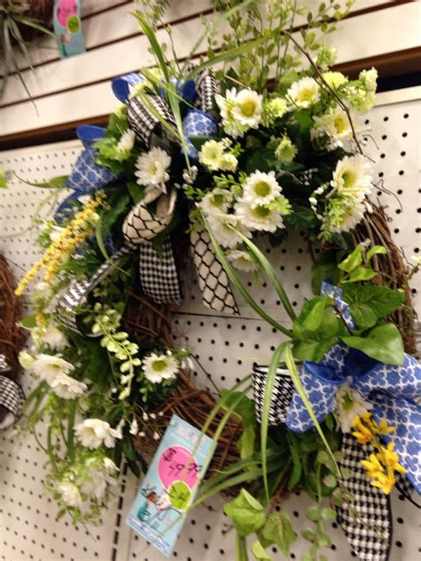 Bunga Dinding Tulip Spray 17 best images about columbia floral on funeral sprays straw wreath and burlap