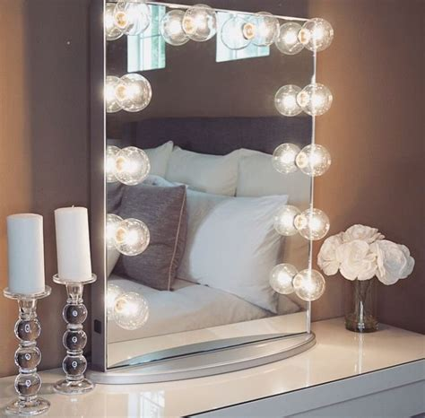 Diy Vanity Mirror by 1000 Ideas About Makeup Vanity Mirror On