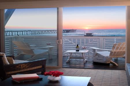 Hotel Deals In The City Of Angels Cheaptickets Travel Deals House Hotel Hermosa Ca