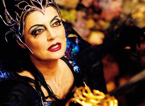 film evil queen photos top 10 evil queens in the movies
