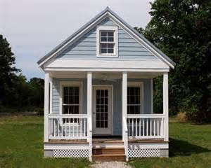 550 square foot house 550 sq ft tiny cottage with floor level bedroom