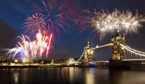 british new year traditions homelingua english