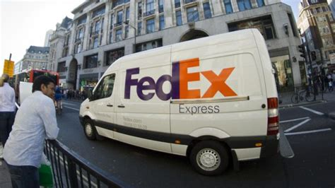 does fed ex deliver on what time does fedex deliver reference