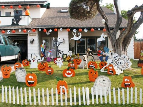yard and house outside decorations outdoor halloween decorations ideas to stand out