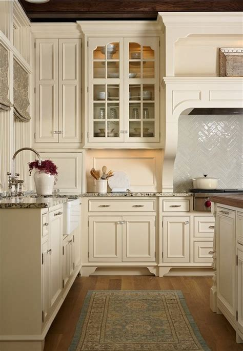 ivory white kitchen cabinets best 25 ivory cabinets ideas on pinterest ivory kitchen