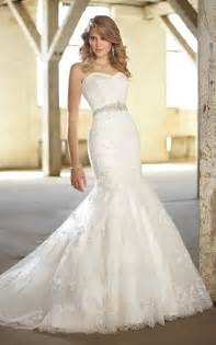 Wedding dress fit and flarecheap fit and flare lace strapless wedding