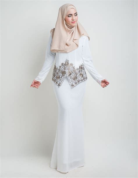 Baju Nikah Putih Hijau baju nikah sifon putih manik hijau muda baju nikah putih baju kurung moden suriani white
