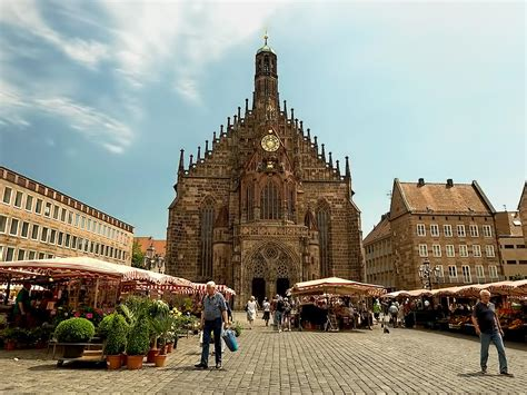 PHOTO: Hauptmarkt in Nuremberg Germany @VikingRiver