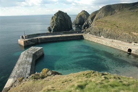 Cornish Cottages Mullion by Mullion Cove Harbour Cornwall Guide Photos