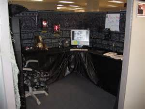 Decorate Cubicle For Halloween Halloween Haunted House Decorations Real Cubtab