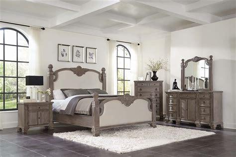 jenna poster bed  piece bedroom set  vintage grey