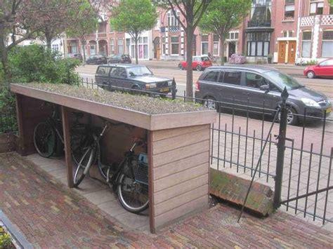 Front Garden Bike Shed by Best 20 Bike Shed Ideas On