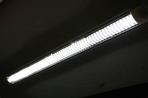 how to replace fluorescent light fixture how to replace the ballast in a fluorescent lighting fixture