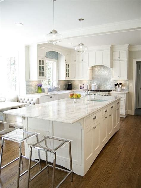 white kitchen countertops 25 best ideas about traditional white kitchens on cottage marble kitchen counters