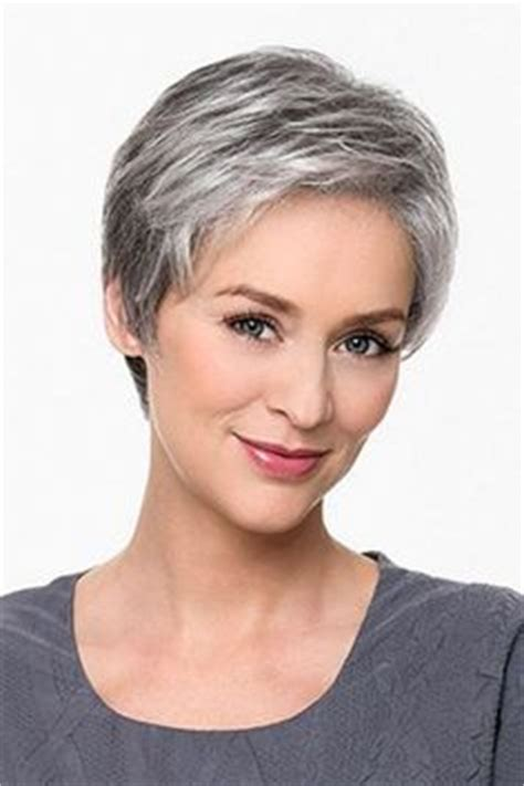 hairstyles for gray hair without looking old short