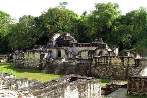 los mayas ixiles de guatemala viajes a nebaj chajul y cotzal edition books guatemala viaje a la joya de la cultura