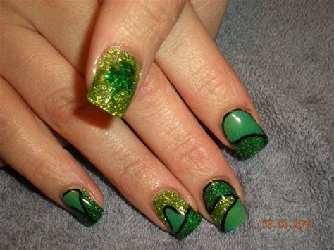 st pattern nails 17 best images about nail on pinterest nail art luck of