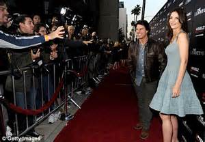 tom cruise and katie holmes loved up at premiere of mini