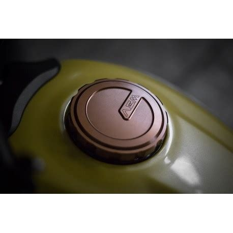 "gas tank cap aem factory ""six days"" ducati"