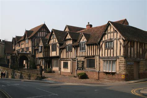 English Tudor Houses file lord leycester hospital warwick3 jpg wikimedia commons