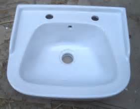 Sanitary Ware Bathroom Accessories by Wash Basin