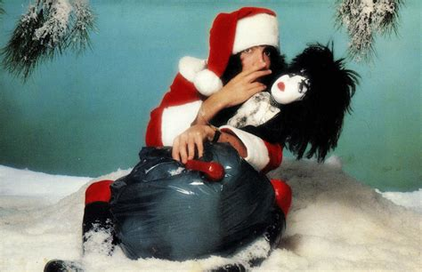christmas kiss wallpaper heavy metal christmas holiday kiss wallpaper 1600x1035