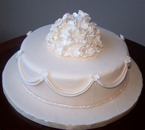 New Single Layer Wedding Cake Single Tier Ivory Wedding Cake Beth Flickr