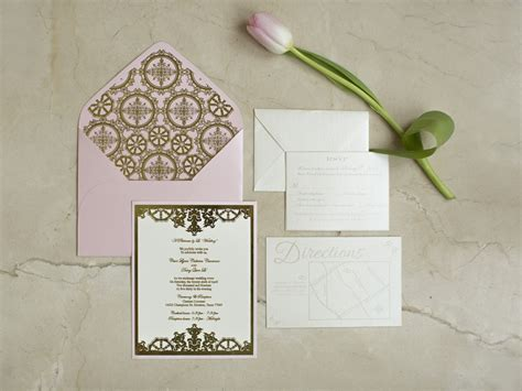 Your Top 10 Wedding Invitation Etiquette Questions