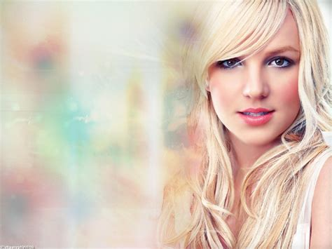 Britneys New by Wallpaper