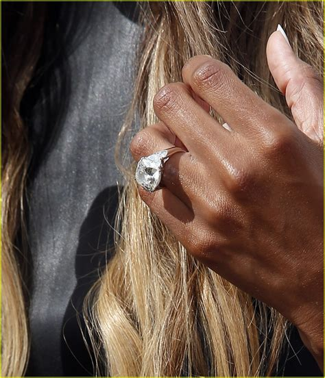 ciara shows new engagement ring at marquee dayclub
