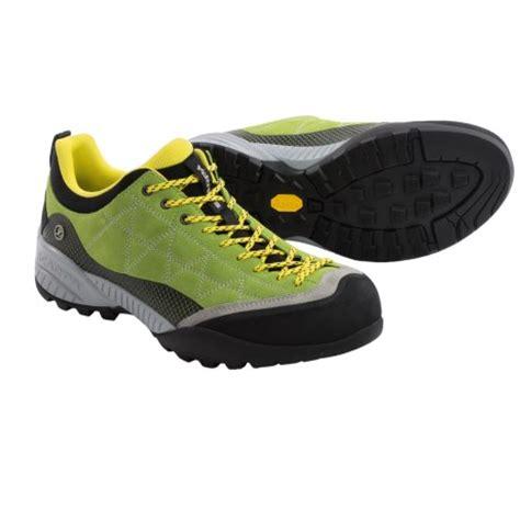 scarpa comfort fit shoes la sportiva tx4 reviews trailspace com