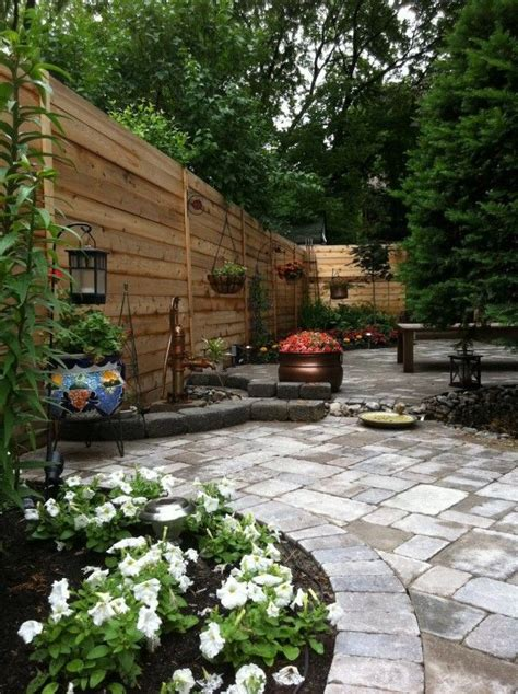 Backyard Fence Landscaping Ideas by 30 Wonderful Backyard Landscaping Ideas