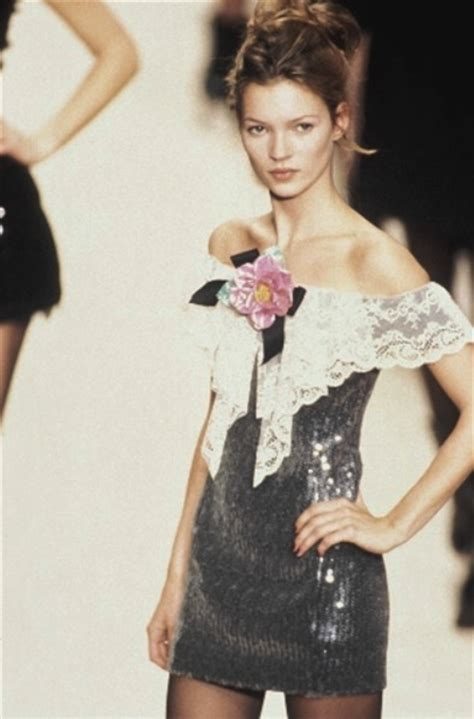 Catwalk To Sidewalk Kate Moss In Chanel by Throwback Thursday Runway Shows From The 90s Fashion