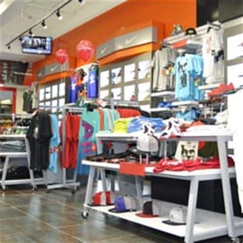 villa shoe store villa shoe shops 1184 winston plaza park il