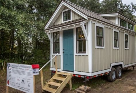 Small Home Builders Sc It Looks Like A Normal Tiny House But Whom It S For