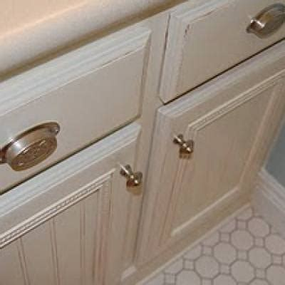 how to paint and glaze cabinets paint cabinets tip junkie