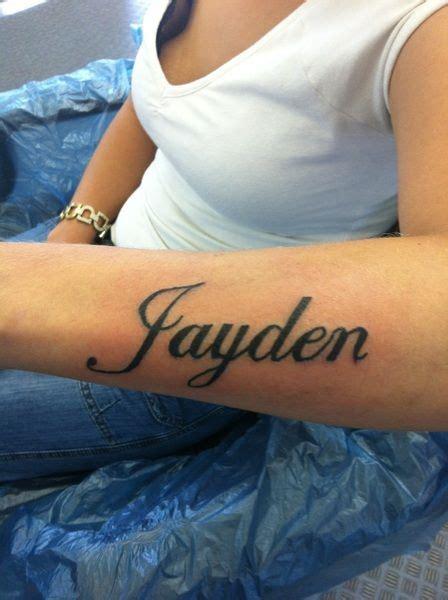 tattoo name on forearm best 25 forearm name tattoos ideas on pinterest