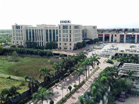 In Hcl Noida For Mba Marketing by Hcl Eta Hcl Technologies Office Photo Glassdoor