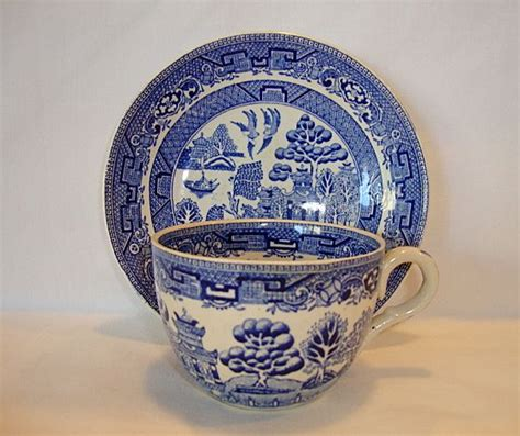 english willow pattern nice english earthenware cup and saucer set blue willow
