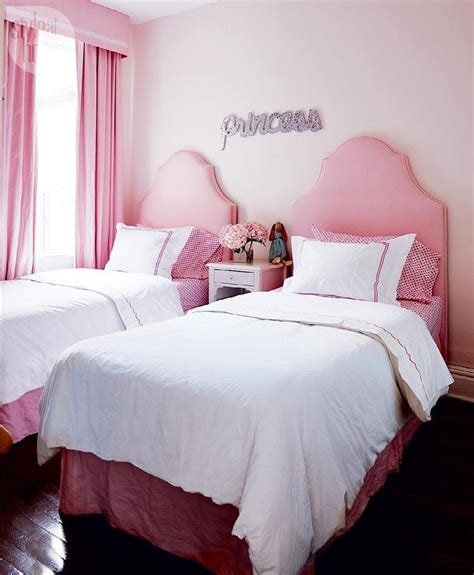 Pink Valances Bedroom Pink Bedroom With Pink Valance And Drapery Panels