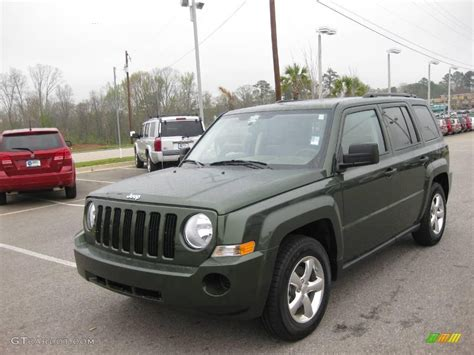green jeep patriot 2008 jeep green metallic jeep patriot sport 6198983