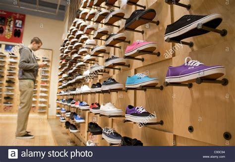 shoe shops image gallery shoeshop