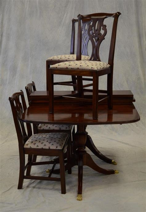 henkel harris dining room table 5 pc henkel harris mahogany dining room set includes doub