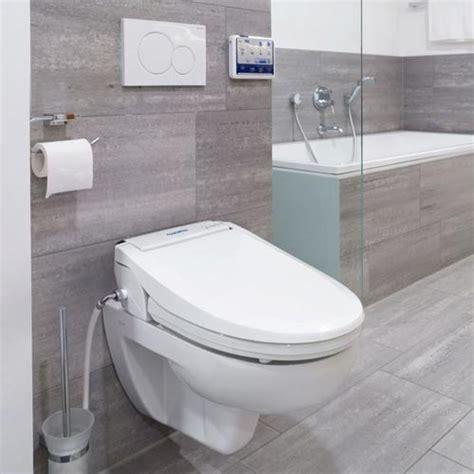 vater bagno wc per disabili con doccetta di lavaggio integrata e