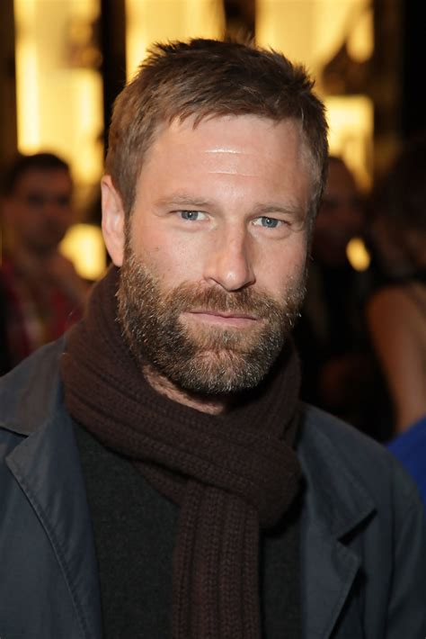 actor george in erin brockovich aaron eckhart in molly sims launches quot grayce by molly sims