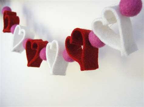 How To Make A Chain Of Hearts Out Of Paper - chain tutorial more betz white