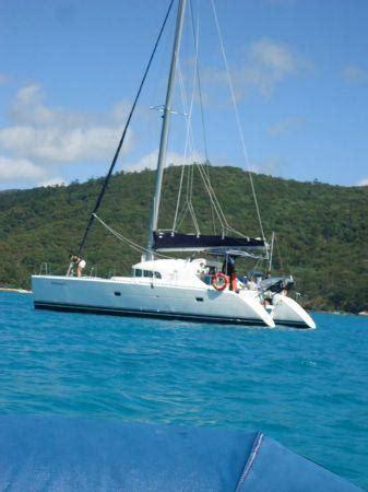 catamaran whitsundays whitsunday catamarans airlie beach queensland australia